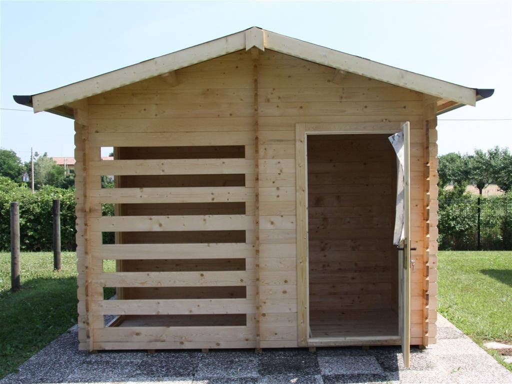 Casetta 4 50mx3m con ripostiglio e legnaia arturo pozzobon for Casetta con seminterrato